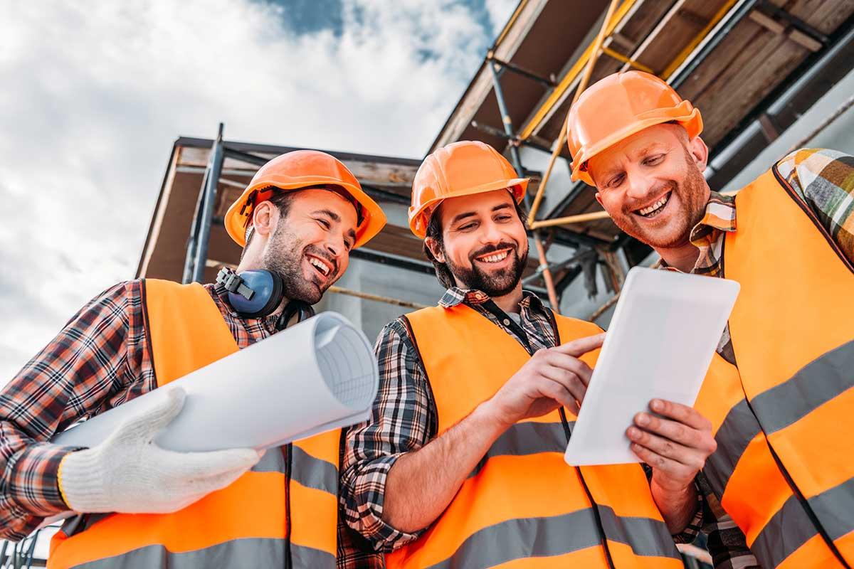 Travailleurs sur un chantier